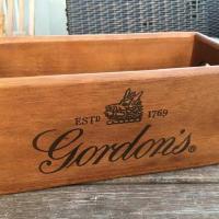 Gordon s Dry Gin Holzkiste - L2